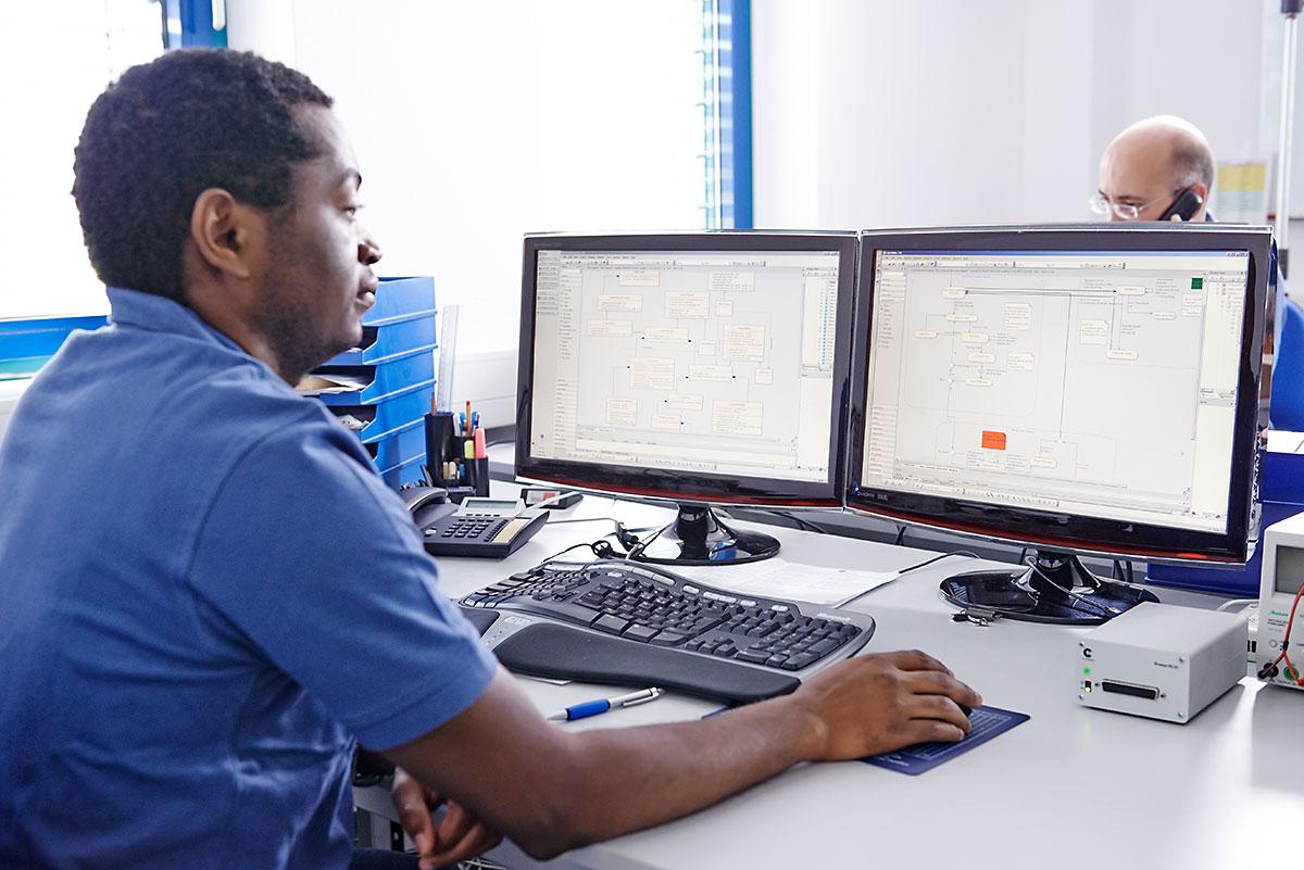 Entwicklung von Firmware und Software