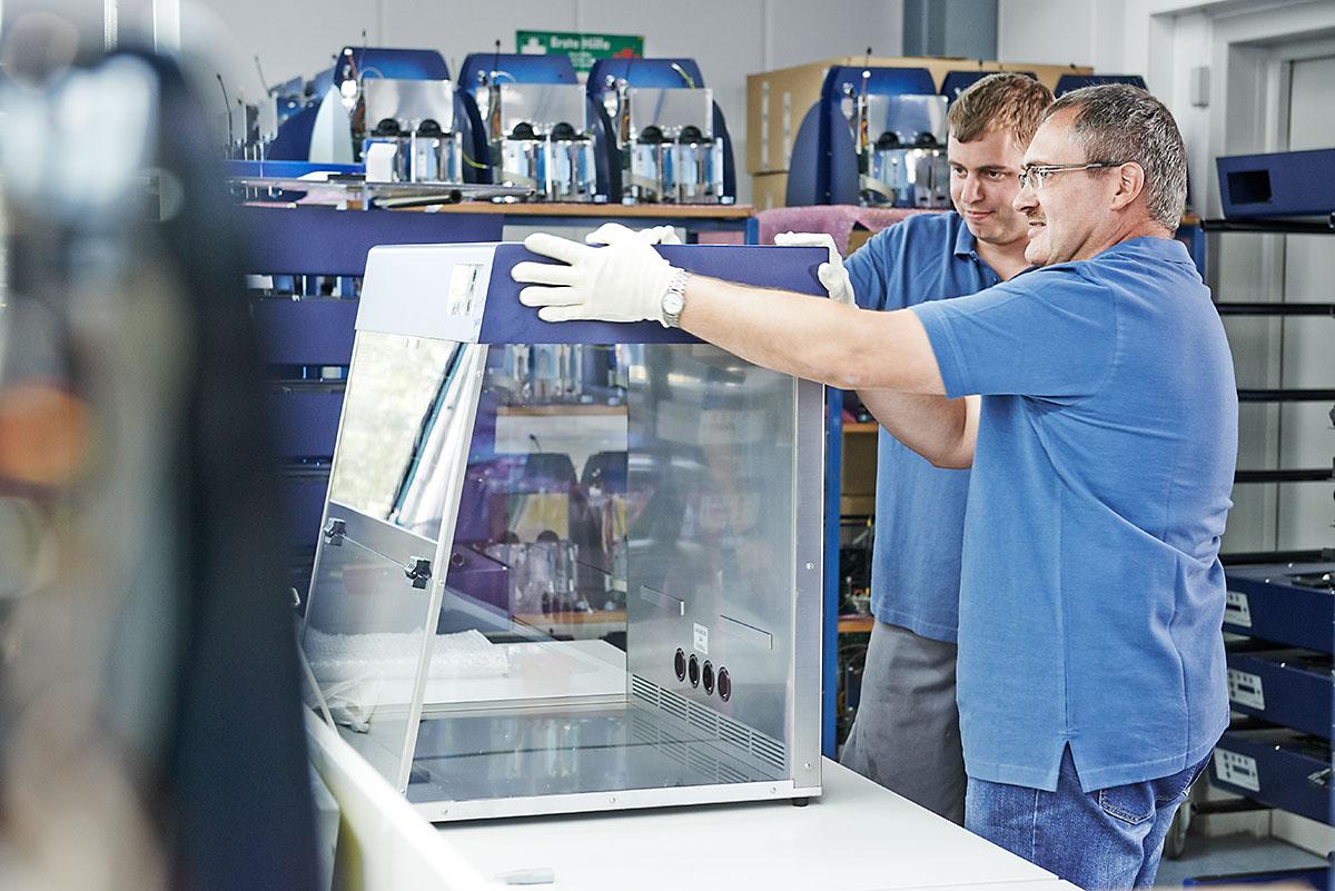 Gerätemontage bei CLEMENS GmbH